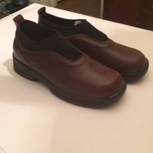 Naot brown/black leather slip on loafers shoes